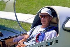 Boris v letalu pred vzletom